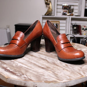 NWT Born Brown Loafer Leather Heels